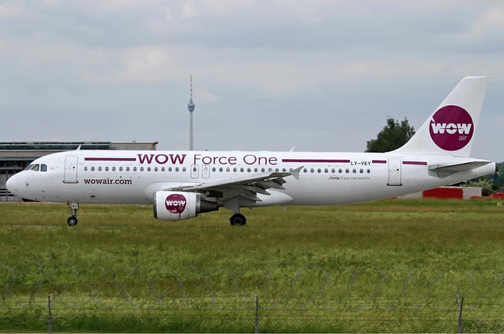 WOW_Air_Airbus_A320_Heisterkamp
