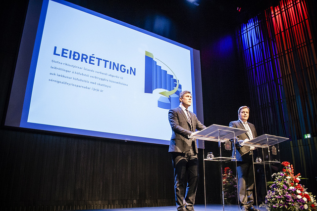 Leiðréttingin var kynnt með viðhöfn í Hörpu þann 30. nóvember 2013. Bjarni Benediktsson og Sigmundur Davíð Gunnlaugsson héldu vitaskuld tölu.