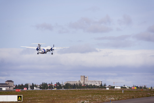 Framtíð Reykjavíkurflugvallar er mikið pólitískt þrætuepli.