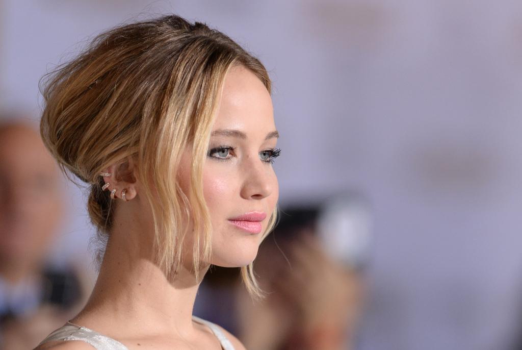 Það ætti varla að koma á óvart að bandaríska leikkonan Jennifer Lawrence er vinsælasta stjarnan meðal netverja.