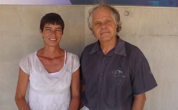 Chantal Abergel og Jean-Michel Claverie. Þau fundu veiruna við rannsóknir í Síberíu. Mynd: EPA.