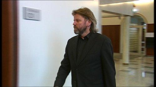 Jón Ásgeir Jóhannesson og félag hans Baugur Group reyndu að kaupa Arcadia árið 2002. Sex árum síðar reyndi Philip Green að kaupa skuldir Baugs Group.